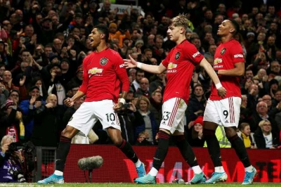 Man United thắng tưng bừng Norwich 4-0
