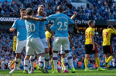 Manchester City thắng hủy diệt Watford.